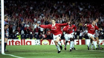 Ole Gunnar Solskjær scores the victory goal for Manchester against Bayern in 1999