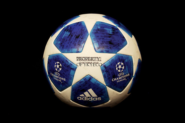 Adidas Finale 18 is the ball used during the Champions League 2018-2019 Group Stage