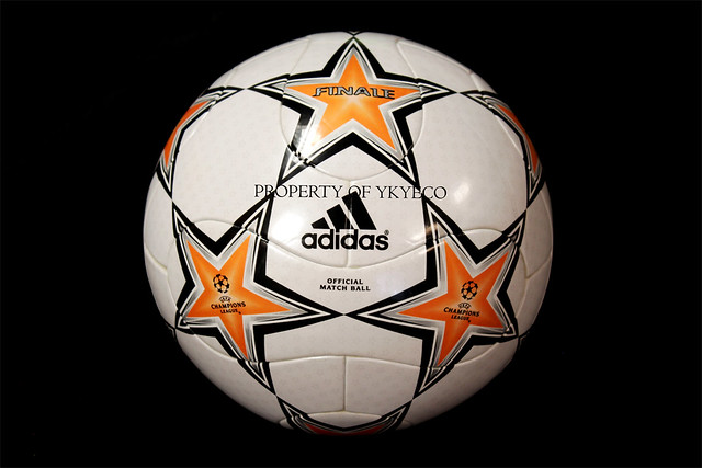 The Adidas Finale 7 Ball used during The Champions League 2007-2008 group stage